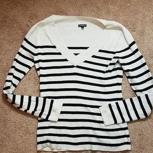 Express signature v neck black striped sweater
